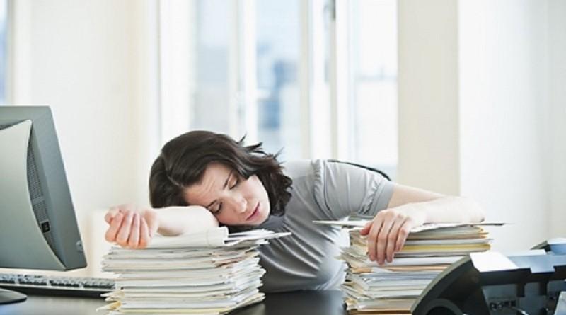 Buồn ngủ nhiều vào ban ngày cảnh báo bệnh gì?