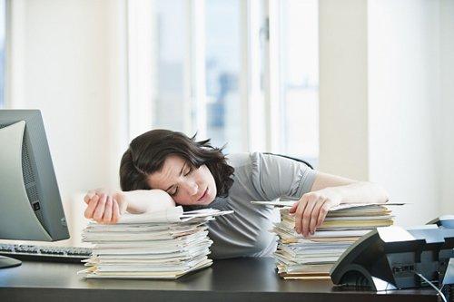 Nguyên nhân buồn ngủ trong giờ làm việc và cách khắc phục. 1