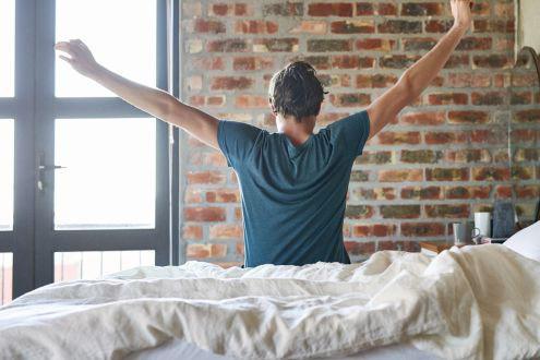 Nếu muốn dậy sớm không mệt mỏi – hãy thử thực hiện 3 mẹo sau