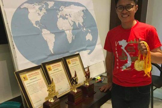 Chàng trai Việt có trí nhớ siêu phàm lập 4 kỷ lục thế giới