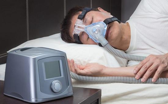 Sử dụng thiết bị trợ thở trong khi ngủ 1