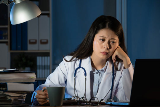 Giải pháp hiệu quả cho người bị rối loạn giấc ngủ do làm việc theo ca kíp